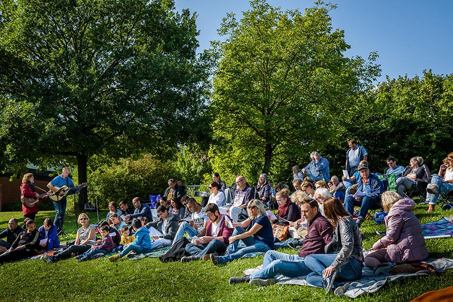 Taufe Am Erlabrunner See Freie Evangelische Gemeinde Karlstadt